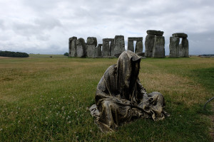 guardians-of-time-manfred-kili-kielnhofer-United-Kingdom-of-Great-Britain-Stonehenge-contemporary-art-arts-design-sculpture-pro-5565