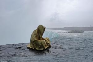 niagra-water-falls-artprize-contemporary-art-arts-design-sculpture-sculpt-guardians-of-time-keepers-manfred-kili-kielnhofer-faceless-7862y