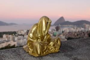 trio biennial  sculpture 3d rio de janeiro sugarloaf mountain guardians of time sculpture art arts manfred kili kielnhofer