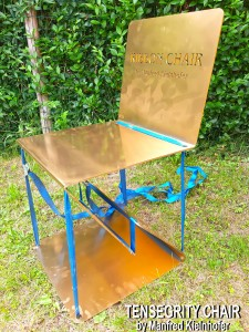 tensegrity-floating-chair-by-manfred-kielnhofer-gold-art-design-furniture-event-